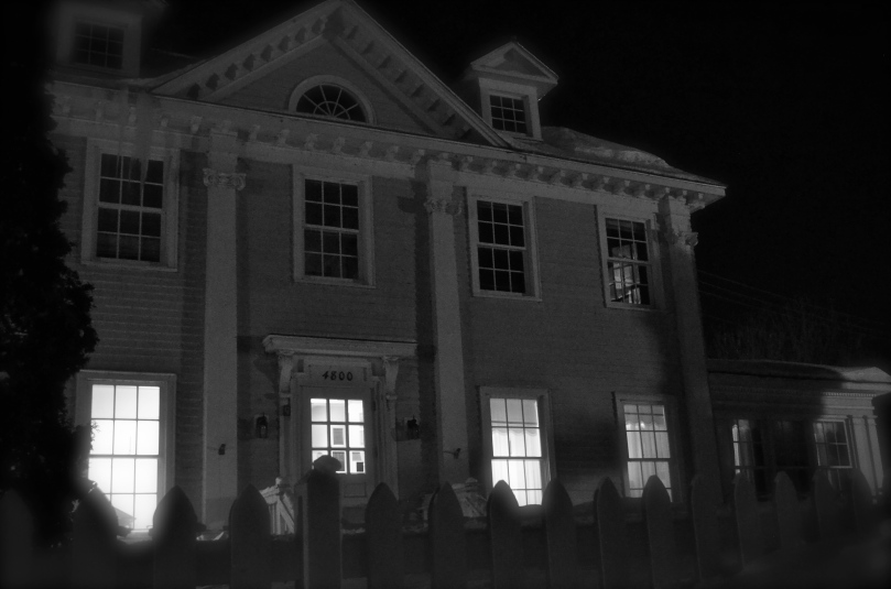 The Longfellow House on a very frigid Minnesota evening