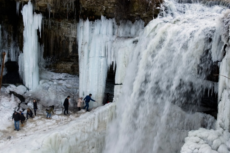 ringing-in-the-new-year-at-minnehaha-falls-1